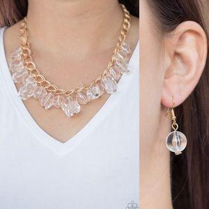 ❤️Gorgeously Globetrotter Gold Necklace Set